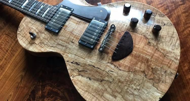 【クロサワ楽器 池袋店さんにオーダーギター納品完了!】